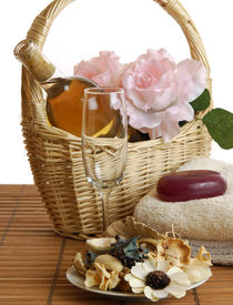 picture of gift basket  - A basket of wine and roses with spa soaps - JPG