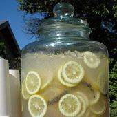 Refreshing lemon aid drink on a warm day
