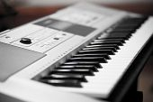 Electric Music Keybord