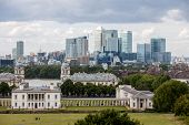 Queens House With The Skyline Of Canary Wharf