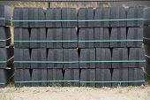 Stack curbs on pallet - construction