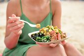picture of yellowfin tuna  - Poke bowl salad plate - JPG