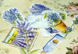 picture of decoupage  - Process of manufacture a tray in style a decoupage - JPG
