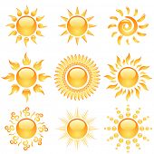Gelbe glänzende Sonne Icons Sammlung isolated on White.