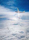 Flight deltaplane clouds