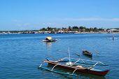 passeio de barcos de pesca na baía, palawan, Filipinas