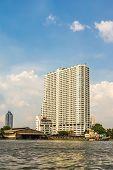 Supalai River Place condominium