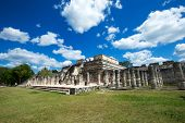 ������, ������: Chichen Itza feathered serpent pyramid Mexico