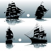 Постер, плакат: Silhouettes Of Sailing Ships
