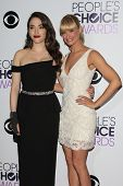 LOS ANGELES - JAN 8:  Kat Dennings, Beth Behrs at the People's Choice Awards 2014 - Press Room at Nokia at LA Live on January 8, 2014 in Los Angeles, CA