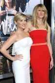 m LOS ANGELES - NOV 19:  Reese WItherspoon, Laura Dern at the
