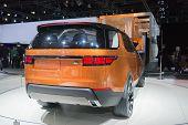 Land Rover Discovery Vison Concept Car 2015