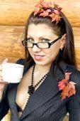 junge Business Lady in Gläsern