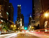 Chicago Michigan Ave en la noche