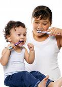 Para limpiar los dientes.