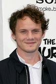 LOS ANGELES - JUL 28:  Anton Yelchin arrives at the