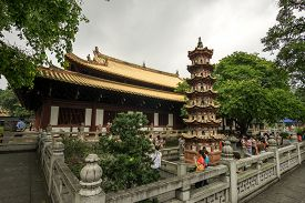 picture of piety  - guangxiao temple on the guangxiao road - JPG