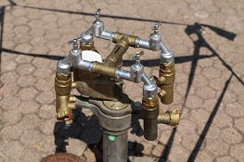 picture of water shortage  - A tap for water from a hydrant  - JPG