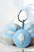 picture of cameos  - Cameo cupcakes - JPG