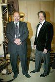 BEVERLY HILLS - FEV. 27: Robert Constanzo chega a 21 Walters Norby noite anual de 100 estrelas