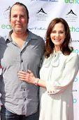 LOS ANGELES, 11 de julho: Chris Peters, com sua mãe Lesley Ann Warren chega a Birgit C. Mulle