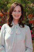 LOS ANGELES, 11 de julho: Lesley Ann Warren chega a Birgit C. Muller Fashion Show no rancho de Chaves