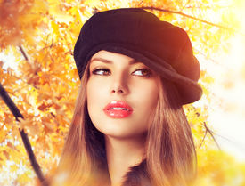 foto of beret  - Autumn Woman in a Beret - JPG