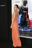 LOS ANGELES - FEB 10: Olivia Munn at the premiere of Columbia Pictures' 'Robocop' at TCL Chinese Theatre on February 10, 2014 in Los Angeles, California