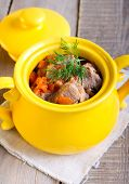 pic of stew pot  - Meat and carrot stew in a pot - JPG