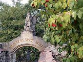 Sculpture Angel - Remember Customs Of Ancestors