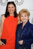 LOS ANGELES - JUN 7:  Mimi Rogers, Debbie Reynolds arrive at the Debbie Reynolds Collection Auction