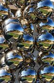 Multiple reflection metal balls