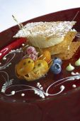 Brandy snap and fruit dessert