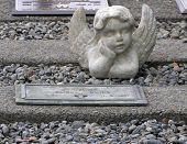 Angel Watching Soldier'S Grave
