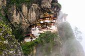 Taktsang Palphug monasterio, Bután