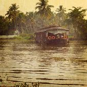 picture of alleppey  - Traditional Inian house boat  - JPG