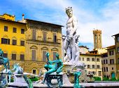 picture of nearly nude  - Fontana del Nettuno  - JPG