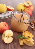 delicious apple sauce