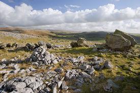 picture of errat  - Norber Erratics in Yorkshire Dales National Park - JPG