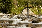 Flowing Cross