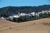 pic of pueblo  - View of whitewashed village  - JPG