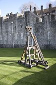 image of trebuchet  - Image of a Medieval Trebuchet at the Tower of London - JPG