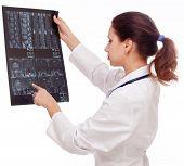 Filme MRT exame médico. Isolado em um fundo branco.