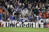VALENCIA, España - noviembre 2-#9 Soldado celebrando un gol en la Liga de campeones de la UEFA igualar la apuesta