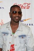 WOODLAND HILLS - JUNE 2: Ray J at the Grand Opening Celebrity VIP Reception of the FIRST SIGNATURE L