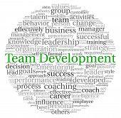 Concepto de desarrollo de equipo en la nube de etiquetas de palabra sobre fondo blanco