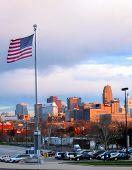 OH cidade de Cincinnati e bandeira