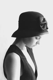 picture of little girls photo-models  - portrait photo of the girl in the black hat and little black dress - JPG