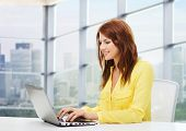foto of online education  - people - JPG