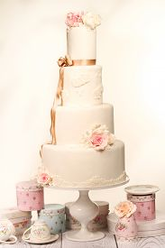 picture of sugarpaste  - Capture of delicious Wedding Cake on fancy decor - JPG